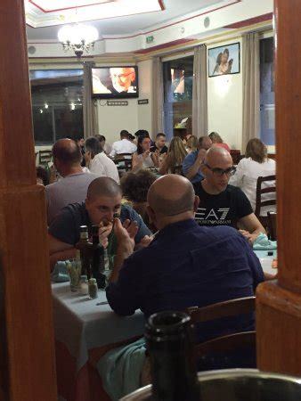 Gemelli Diversi Pizzeria Ristorante Gemelli Diversi In Con Cucina Italiana