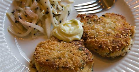 crab cakes  wasabi mayonnaisegood dinner ideas