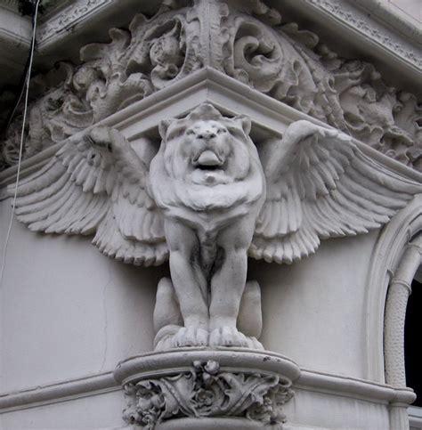 images  minute lion  pinterest statue
