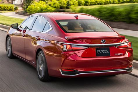 lexus es whats  difference autotrader