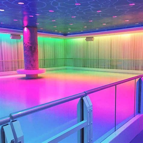 empty  dance floor  vaporwavekawaii style