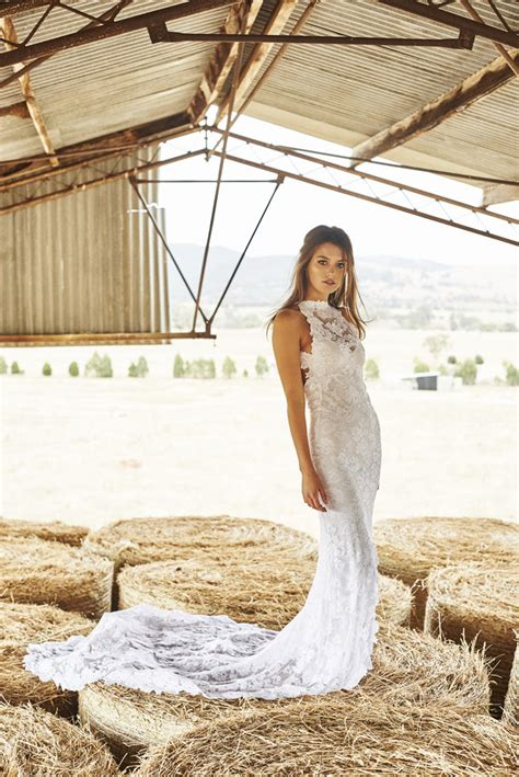 Barn Wedding Dresses Design Ideas  Designers Outfits. Vintage Style Black Wedding Dresses. Designer Wedding Dresses Groom. Sheath Wedding Dress Hourglass. Wedding Dresses With A Low Back. Empire Waist Beach Wedding Dresses. Wedding Dresses Lace Beach. Non Traditional Colored Wedding Dresses. Teal Colored Wedding Dresses