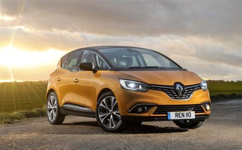renault scenic review     family car
