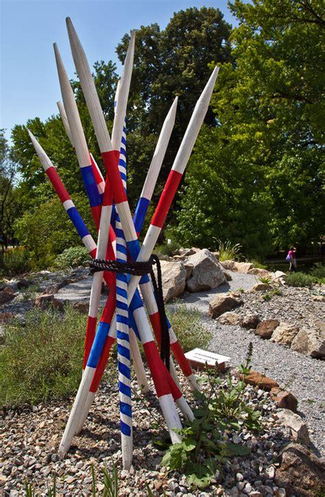 Garten Kaufen Graz by Botanischer Garten In Graz Mit Skulptur Quot Mikadostrau 223 Quot