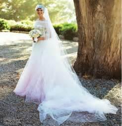 valentino wedding dresses princess hathaway adam shulman s wedding all the details on valentino