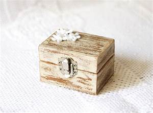 Wedding ring box wedding ring holder ring bearer box for Wedding ring holder box