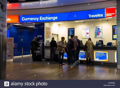 bristol airport bureau de change travelex airport stock photos travelex airport stock images alamy