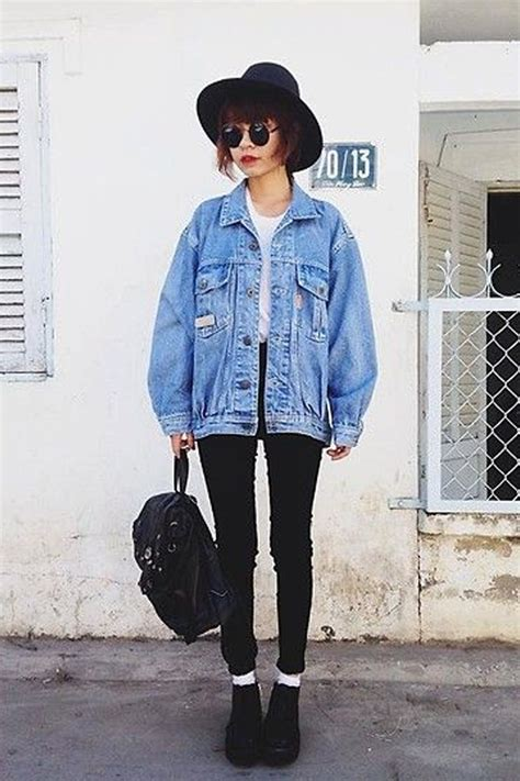 10 Ways to Style Your Denim Jacket in the Winter