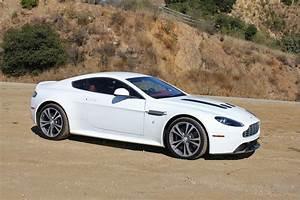 Aston Martin V12 Vanquish : first drive 2010 aston martin v12 vantage ~ Medecine-chirurgie-esthetiques.com Avis de Voitures