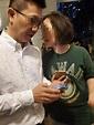 區議會候選人葉子祈將軍澳遇襲 後腦撞玻璃門手機被搶 警拘一男 (22:49) - 20191025 - 港聞 - 即時新聞 - 明報新聞網