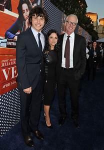Julia Louis-Dreyfus Pictures - 'Veep' Season 2 Premiere ...