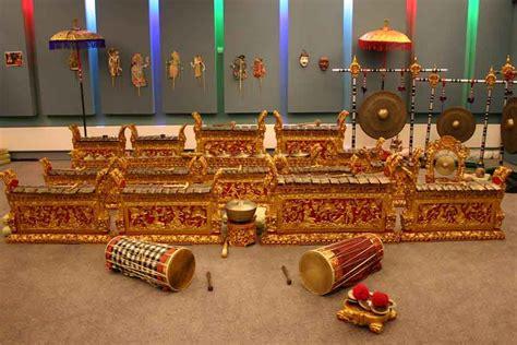 Terbuat dari bambu yang berasla dari daerah nias. Inilah 5 Alat Musik Tradisional Dari Bali - Kamera Budaya