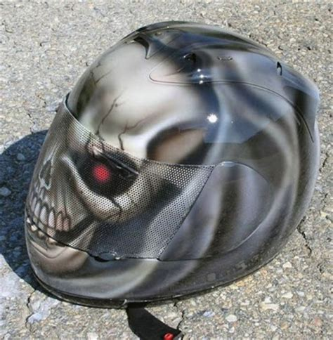 Cool Motorcycle Helmets  International Pictures