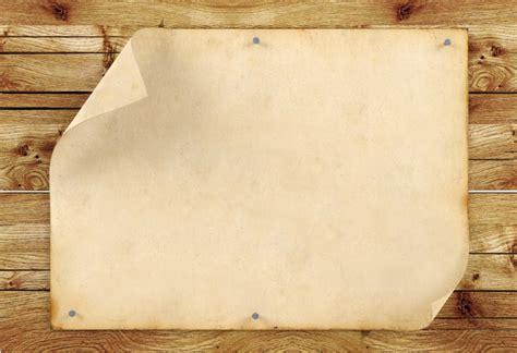 Old blank vintage paper on wood background 3d rendering
