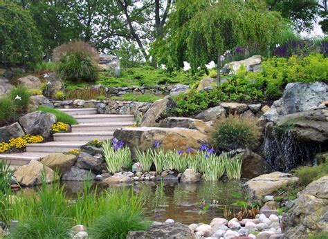 sustainable landscaping traditional vs sustainable landscapes bluegrass lawncare