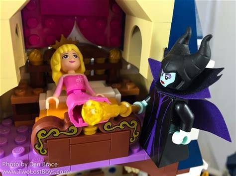 LEGO Disney Castle Review   Two Lost Boys Blog