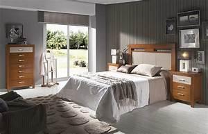 Dormitorio de matrimonio cabecero copete y mesillas y sinfonier
