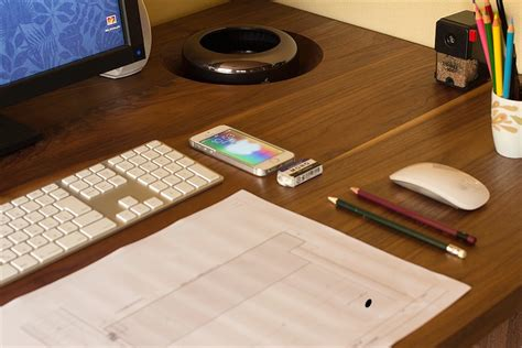 bureau apple idée un mac pro caché dans le bureau macgeneration