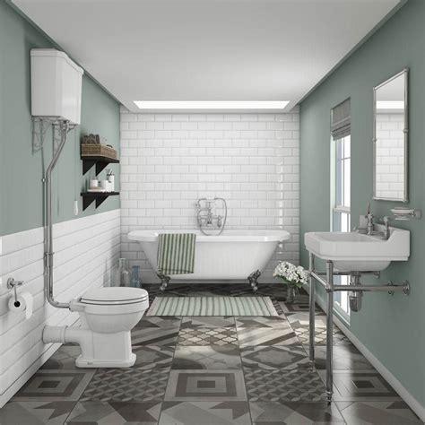 Newbury Traditional Backtowall Roll Top Bath Suite