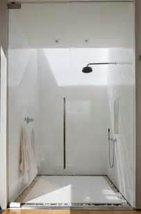 Comment Deboucher Une Baignoire Tres Bouché by Une Salle De Bain Sous Pente Ou Sous Combles En 52 Photos