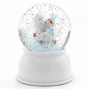 Boule à Neige : veilleuse boule a neige lila and pupi djeco d co chambre enfant ~ Teatrodelosmanantiales.com Idées de Décoration