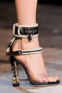Schuhschrank Für High Heels : 19 besten high heels signalisieren ich bin bereit f r sex bilder auf pinterest hochhackige ~ Bigdaddyawards.com Haus und Dekorationen