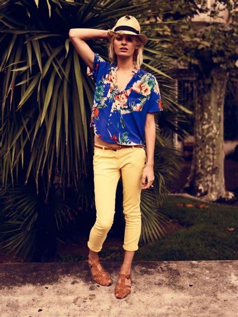 Best 72 Hawaiian Shirts ideas on Pinterest   Aloha shirt Charts and Man style