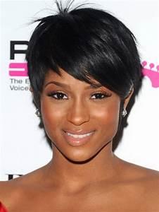 Coupe Courte Femme Noire Visage Rond : coupe de cheveux courte femme noire ~ Melissatoandfro.com Idées de Décoration