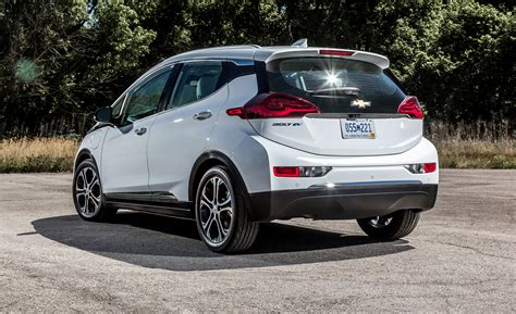Ev Cars 2017 by 2017 Chevrolet Bolt Ev Cars Exclusive And Photos