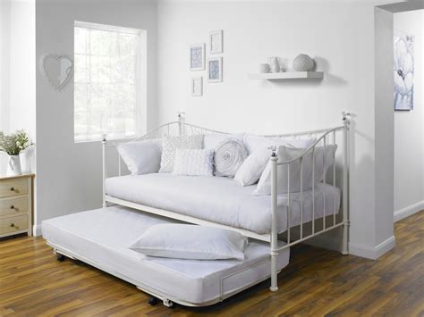 home design bedding 5 benefits to a great day bed