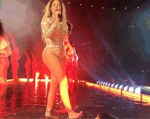 Beyoncé splashes people with water at formation concert ...