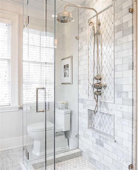 Master Bathroom Tile Ideas by Best 25 Master Bathroom Shower Ideas On