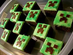 "Candy Bar Cupcakes: Minecraft Cupcakes ""Creeper"""