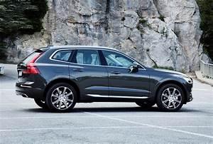Suv Volvo Xc60 : volvo xc60 suv 2017 rivals parkers ~ Medecine-chirurgie-esthetiques.com Avis de Voitures