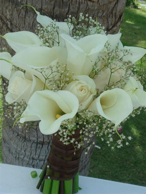 wedding lillies bouquet bridal white calla lilies roses and baby s breath bouquet