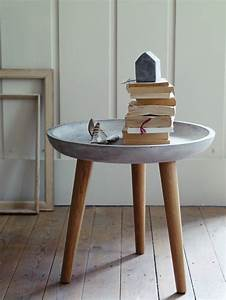 Tisch Aus Büchern : beton tisch eine originelle einrichtungsidee ~ Buech-reservation.com Haus und Dekorationen