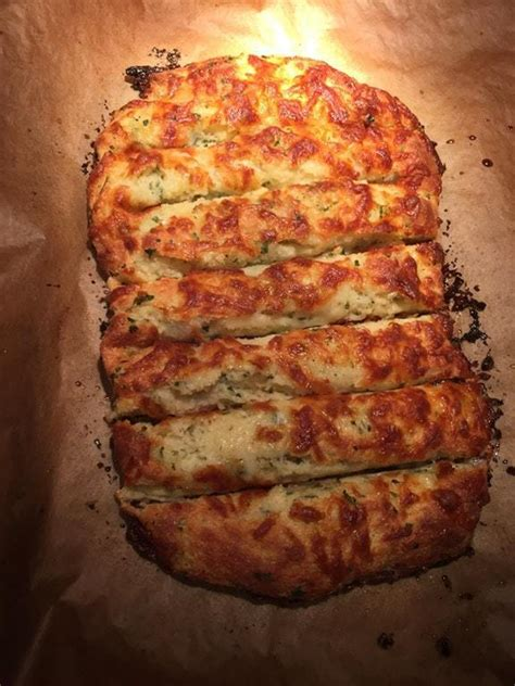 keto cheesy garlic bread ketodietforhealth