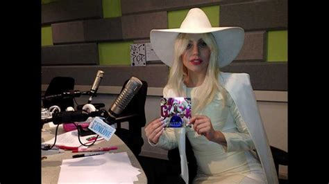 Lady Gaga  Interview On Saturday Night Online (11162013
