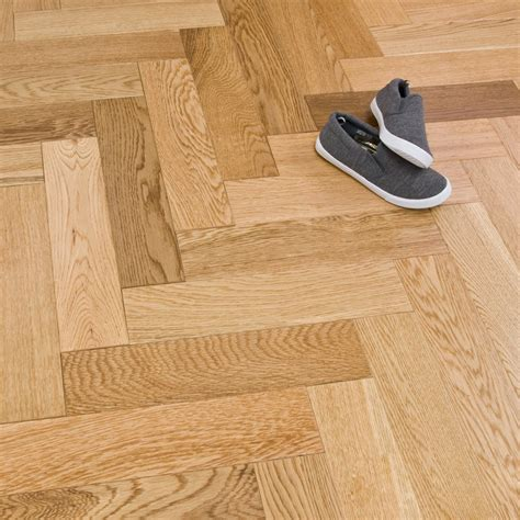 solid herringbone oak 18mm x 80mm lacquered 1 68m2