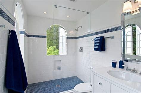 chambre à londres déco intérieur blanc et bleu combinaison classique