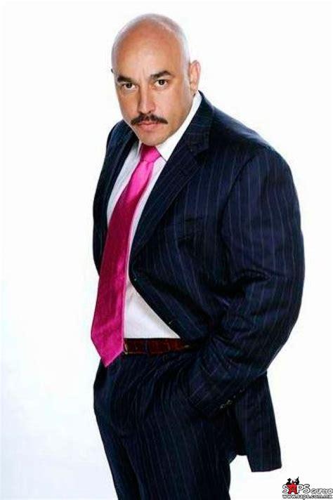 Guadalupe rivera es su verdadero nombre, nació un 30 de enero de pensando en seguir una carrera como administrador, lupillo rivera se convirtió en manager de. Lupillo Rivera sufre intento de secuestro - SAPS Grupero