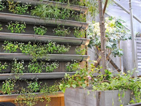 Vertical Garden by 6 Verdant And Wonderful Ideas For Vertical Gardens