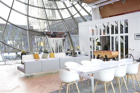 Luxury Apartment In Overlooking The Eiffel Tower by Eiffel Tower Apartment Homeaway Business Insider