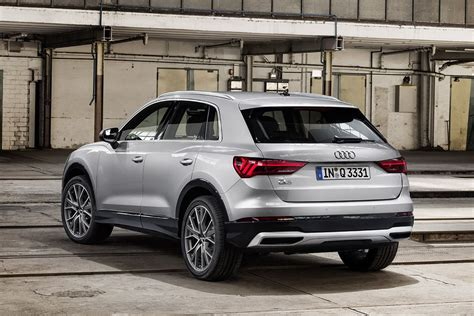 Whether on a holiday trip or for everyday driving, it offers plenty of space and its practical details ensure rich variety. Dít is de nieuwe Audi Q3 - AutoWeek.nl