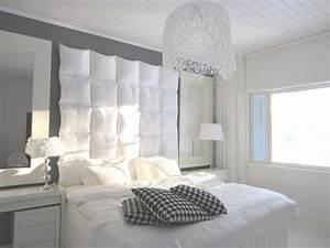 Tete De Lit Argent : t te de lit design et bien rembourr e avec peu d 39 argent ~ Teatrodelosmanantiales.com Idées de Décoration