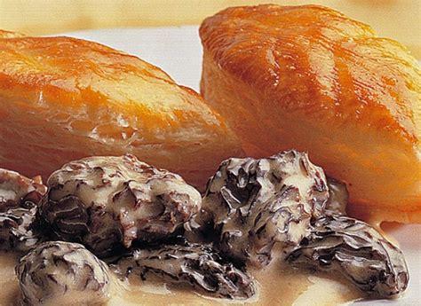 cuisiner les morilles fraiches comment préparer des feuilletés aux morilles recette