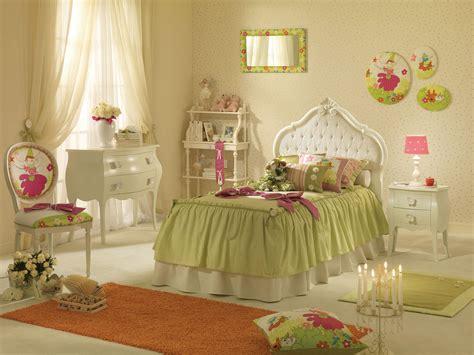 papier peint chambre à coucher lit fille capitonné avec couchage de 90x190 piermaria