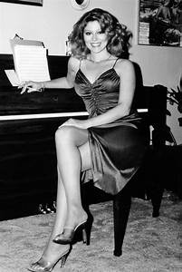 AUDREY LANDERS RARE LEGGY POSE SEATED AT PIANO DALLAS STAR PHOTO OR POSTER | eBay