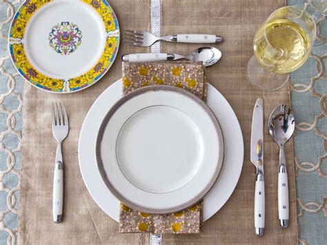 simple dinner table setting ideas thanksgiving table setting ideas hgtv