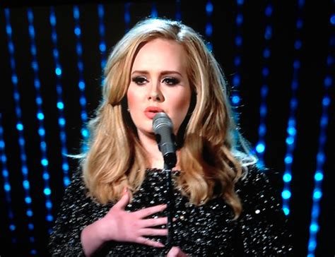 "Adele's ""skyfall"" Performance At The Oscars"